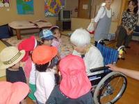 幼稚園児訪問
